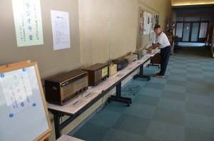 ロビー展示「ラジオ今昔」