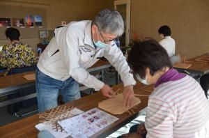 竹編みの鍋敷き作り(加工)
